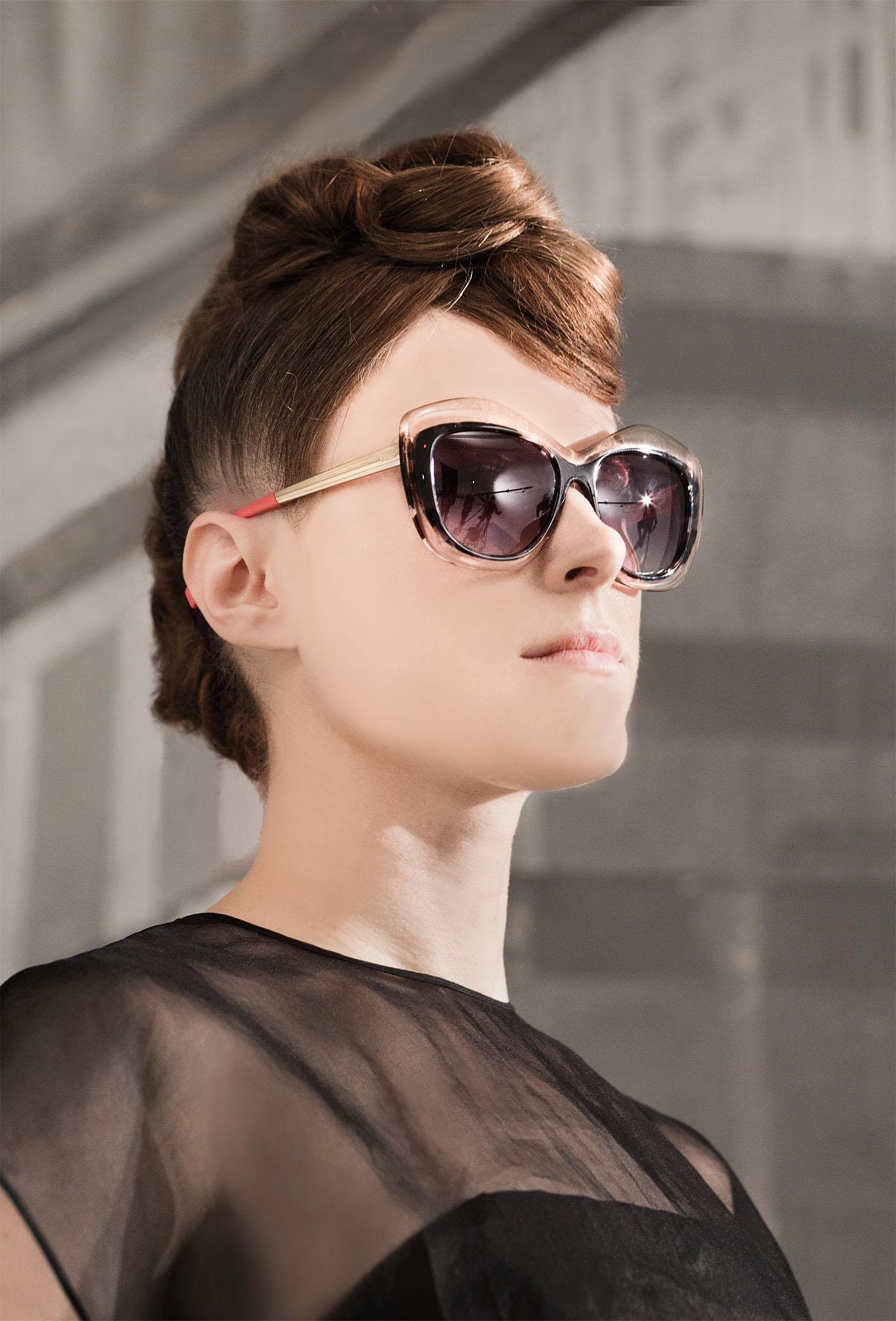 Behind the scenes of singer Kiesza featuring Fendi Color Block sunglasses © Claudio Morelli