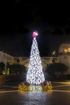 Fendi Christmas Tree at Hotel De Russie, Rome © GIANNI CIPRIANO DB AGENCY DARIA BONERA