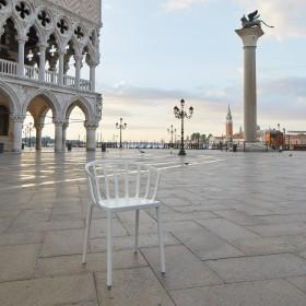 Kartell In Venice Client: Kartell Photo: Lorenzo Gironi Produzione: DB Agency